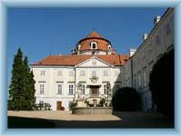 Chateau Vranov nad Dyjí - court